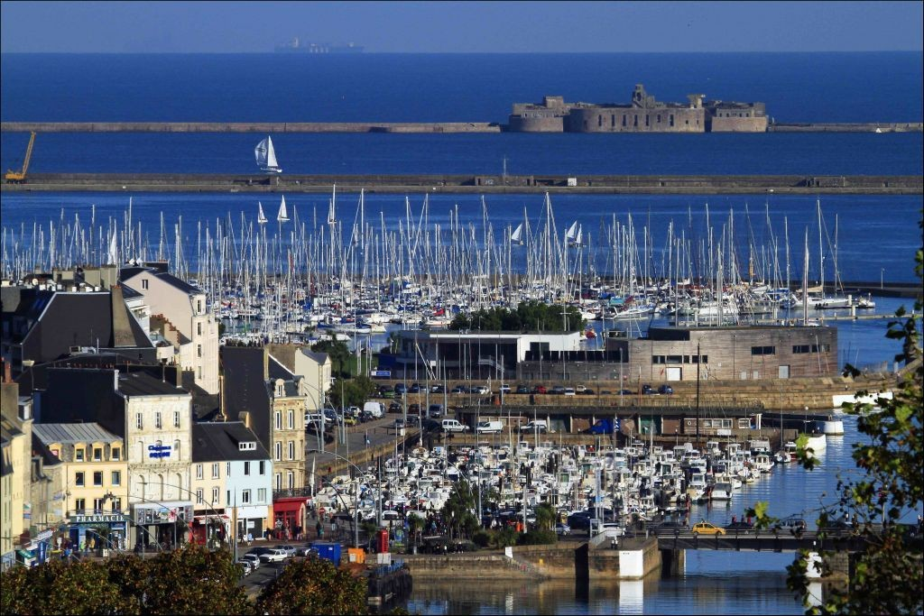 """There is more space in Cherbourg. """"Width ="""" 643 """"height ="""" 367 """"data-caption ="""" There is more space in Cherbourg. """"><img src="""